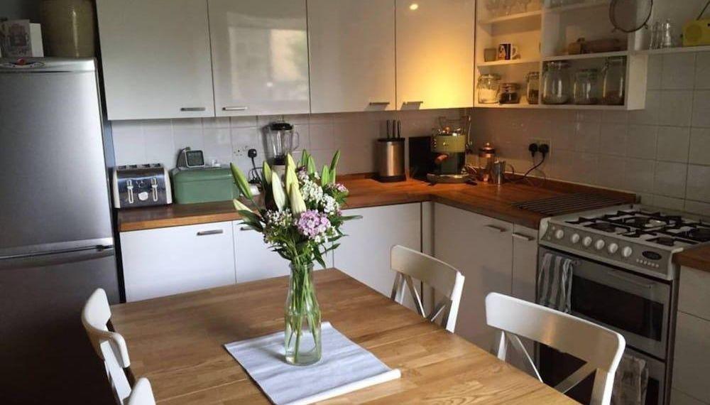 2 Bedroom Apartment In Central Edinburgh, Edimburgo ...