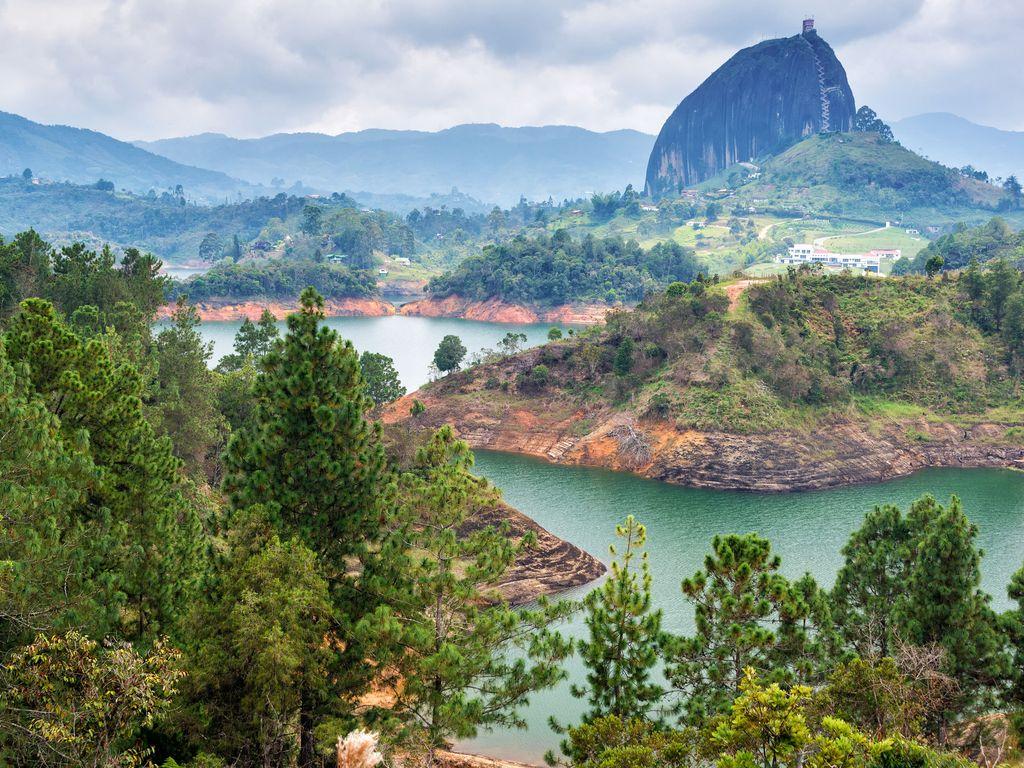 Vuelos a Medellín desde Bogotá  daceea75a4a6