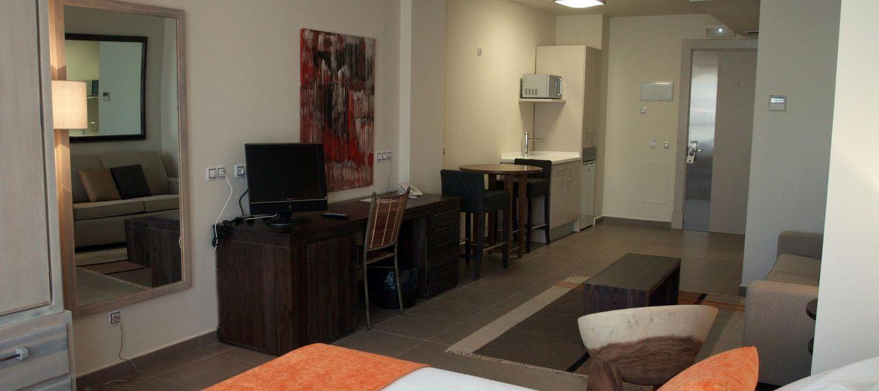 Cerraban Mamparas De Bano.Eco Alcala Suites Madrid Hoteles En Despegar